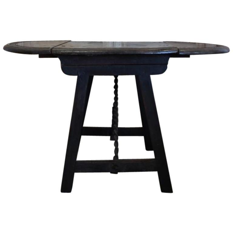 17th century spanish folding table for sale at 1stdibs. Black Bedroom Furniture Sets. Home Design Ideas