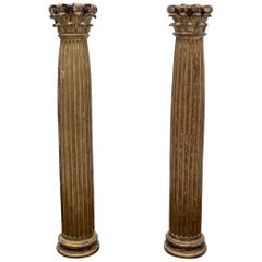 17th Century Spanish Pair of Wooden Giltwood Corinthian Fluted Columns