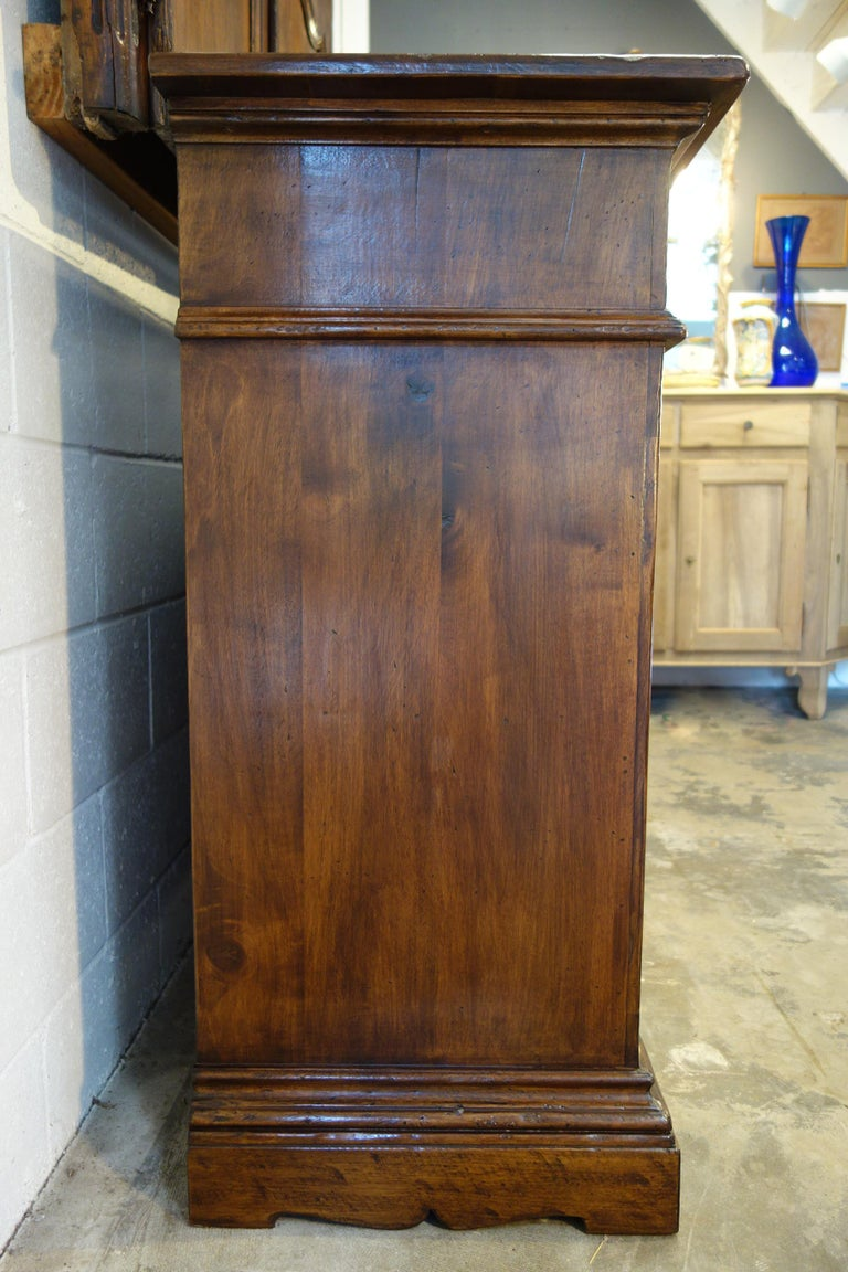 17th Century Style Italian Classic Old Walnut Credenza, Custom Cabinet Line For Sale 11