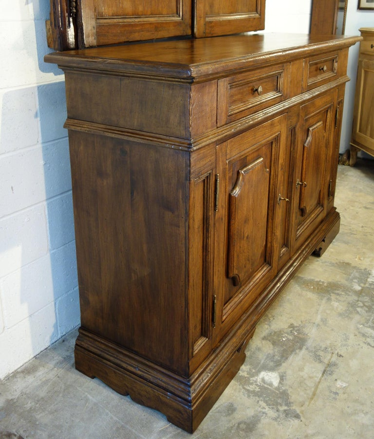 17th Century Style Italian Classic Old Walnut Credenza, Custom Cabinet Line In Excellent Condition For Sale In Encinitas, CA