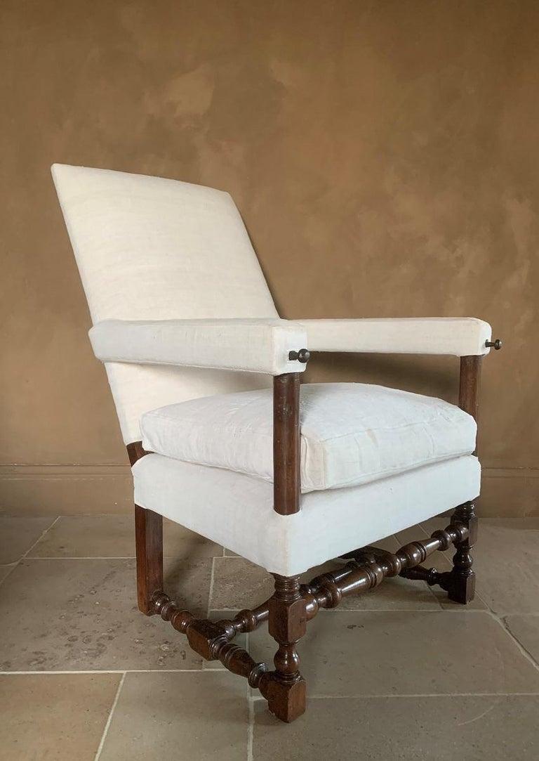 17th Century Walnut Armchair For Sale 6