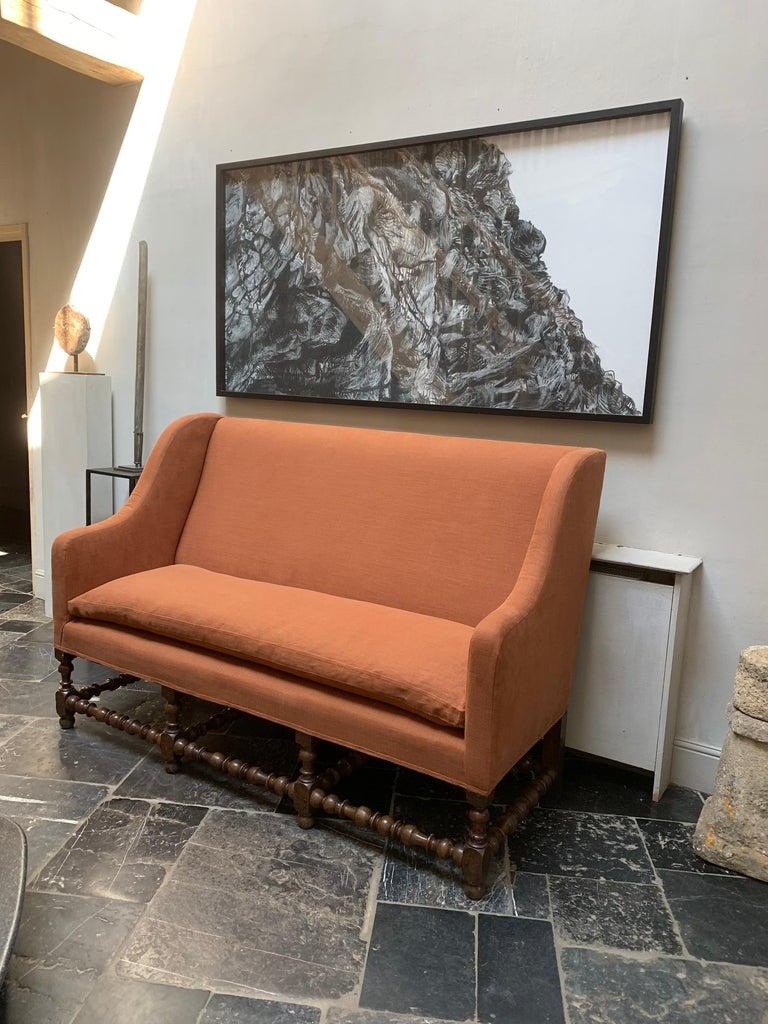 17th Century Walnut Sofa For Sale 1