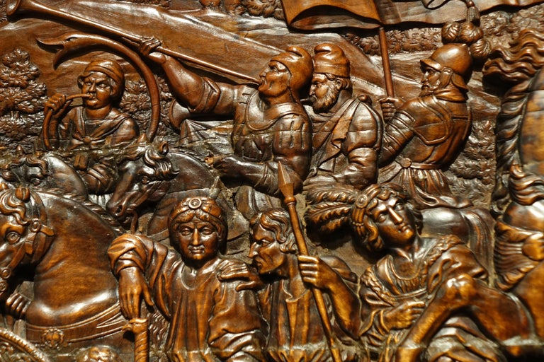 17th century wood panel sculpture carved in low relief, Italy or France The scene represented here the meeting of Nilus the younger founder of Italo-Greek monasticism with Otto III, Holy Roman Emperor. The episode retraces here the intercession of