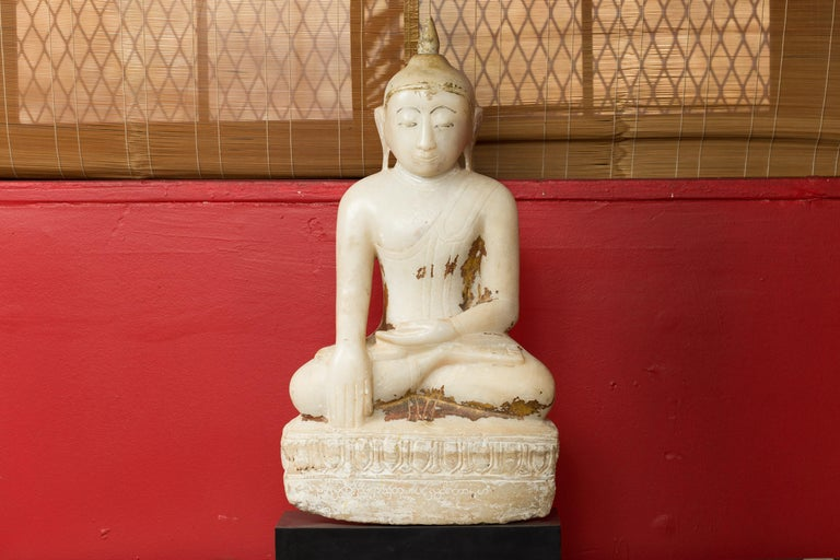 17th or 18th Century Burmese Shan Style Alabaster Sculpture of a Seated Buddha For Sale 8