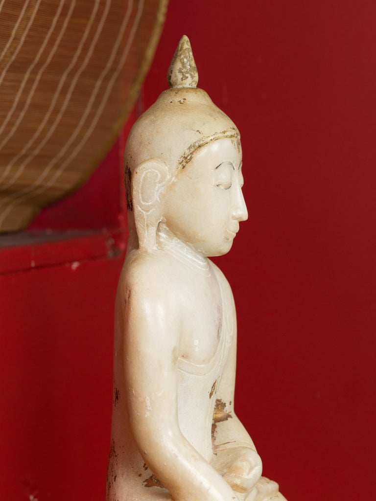 17th or 18th Century Burmese Shan Style Alabaster Sculpture of a Seated Buddha For Sale 1
