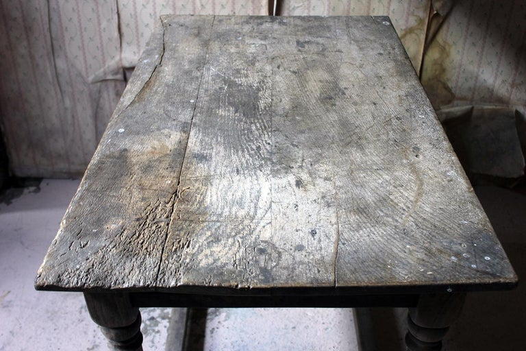 English 17th Century Dry Oak Charles II Period Side Table, circa 1680 For Sale
