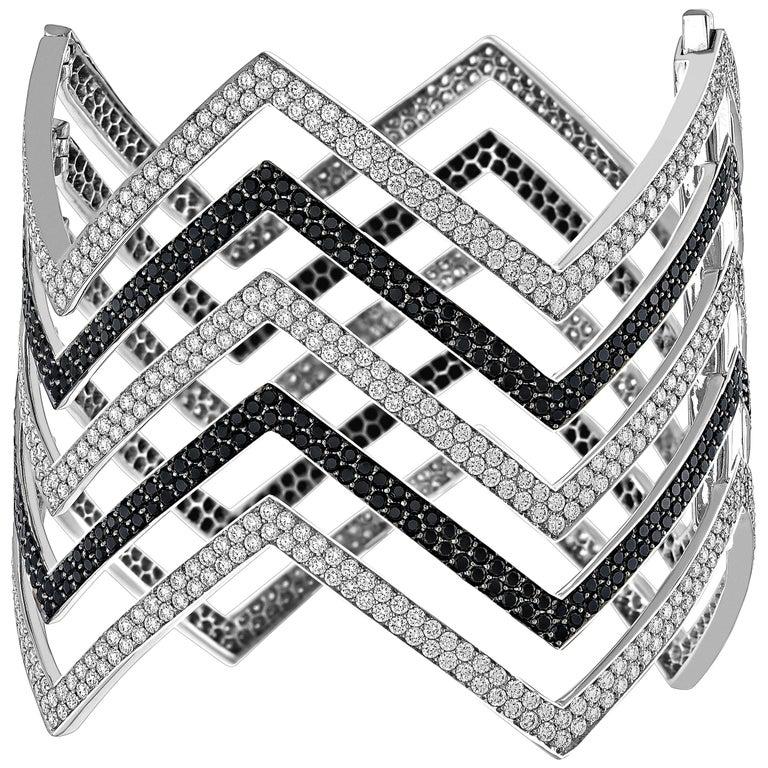 18 Carat Black and White Diamond Chevron Cuff in 18 Karat White Gold For Sale