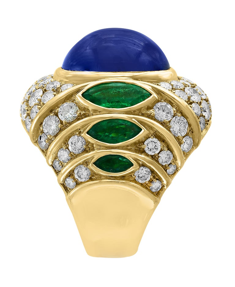 Oval Cut 18 Carat Blue Sapphire Cabochon and Diamond 18 Karat Gold Ring For Sale