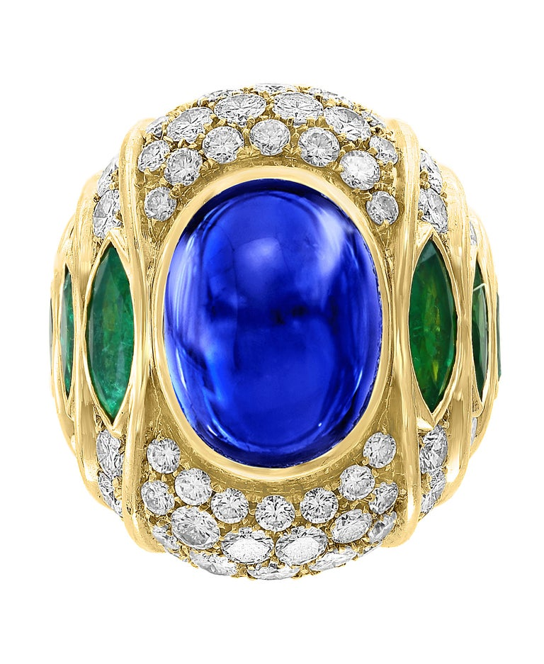 Women's or Men's 18 Carat Blue Sapphire Cabochon and Diamond 18 Karat Gold Ring For Sale