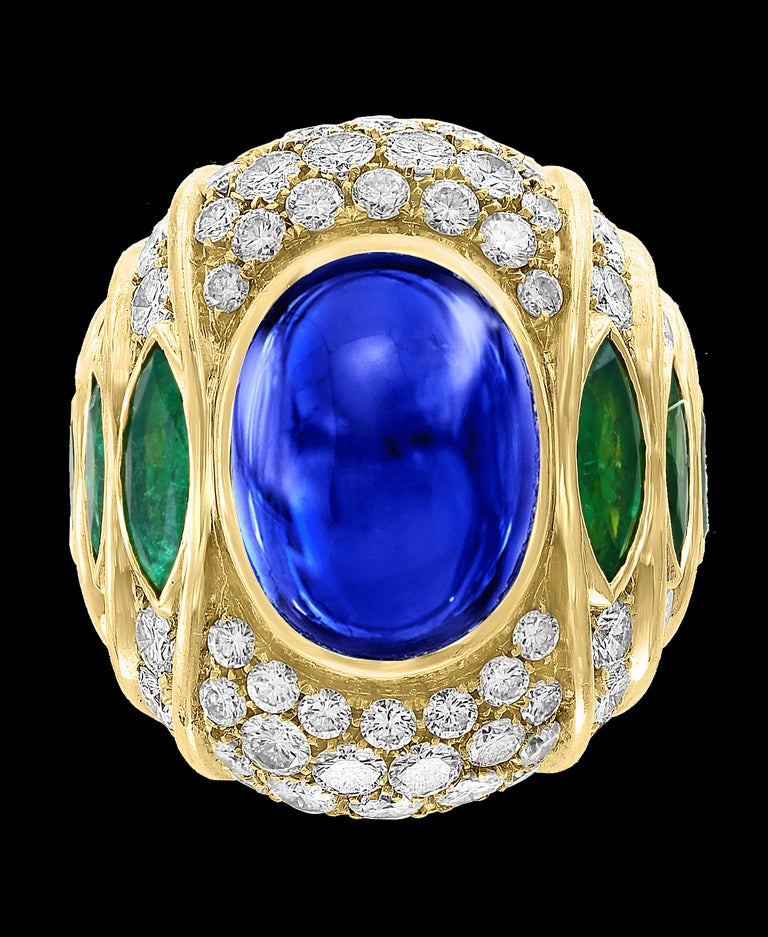 18 Carat Blue Sapphire Cabochon and Diamond 18 Karat Gold Ring For Sale 1