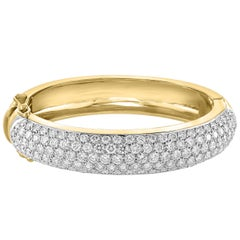 18 Carat Diamonds VS Quality E-F Color 18 Karat Gold 60 Grams Bangle /Bracelet