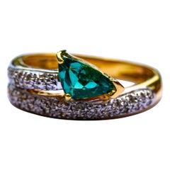 18 Carat Gold Green Tourmaline and Diamond Ring