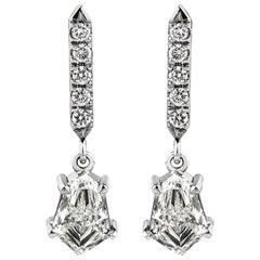 18 Karat Gold Drachenform und Brillantschliff Diamant-Ohrhänger