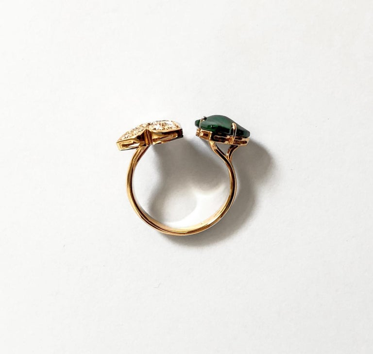 Contemporary 18 Carat Pink Gold Round Cut Diamonds and Malachite Ring For Sale
