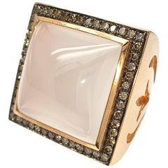 18 Carat Rose Gold Ring with a 34.07 Carat Milky Quartz and 0.94 Brown Diamonds