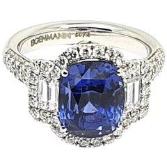 18 Carat White Gold Ring with 5.5 Carat Natural Saphhire and 1.2 Carat Diamonds