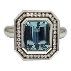 18 Carat White Gold-Ring part with Emerald Cut Blue Aquamarine and Diamonds