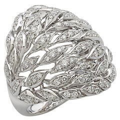 18 Carat White Gold Round Brilliant Cut Diamonds Ring