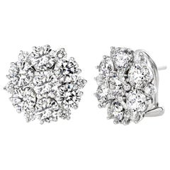 18 Carat White Gold Round Cut Diamonds Classical Design Clip-On Earrings