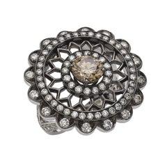 18 Carat White Gold Round Cut Diamonds Ring