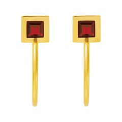 18 Carat yellow Gold Return Earrings