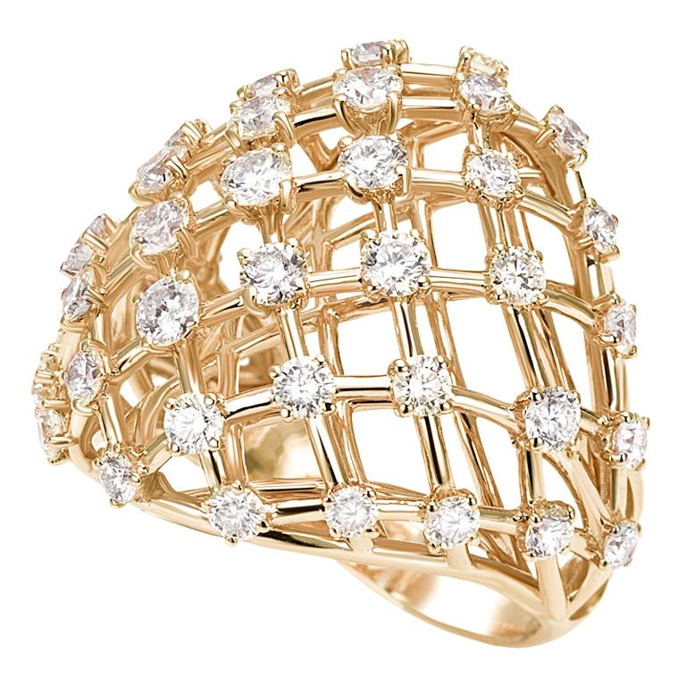 18 Carat Yellow Gold Round Cut Diamonds Ring For Sale