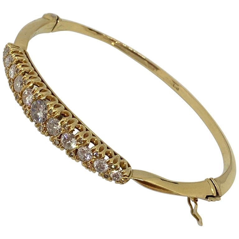 18 Carat Yellow Gold Vicytorian Style Hinged Diamond Set Bangle For Sale