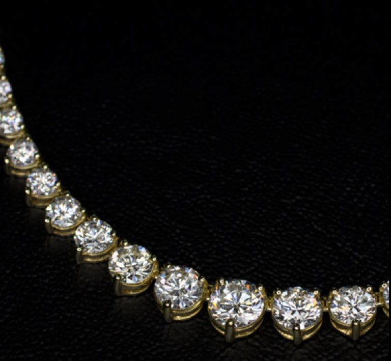 Round Cut 18 Carat Tennis Riviere Necklace 18 Carat Yellow Gold G Color VS Clarity For Sale
