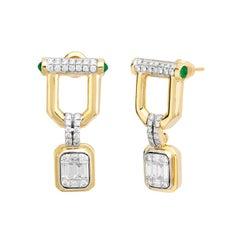 18 Gold, 0.26 Carat Diamonds, 0.25 Emerald, 0.38 Baguette Judith Earrings