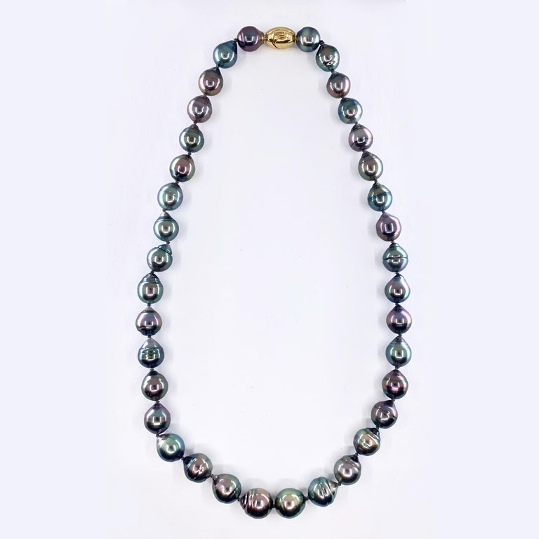 Graduated Multicolored Tahitian Baroque Pearl Necklace In Good Condition For Sale In Sherman Oaks, CA