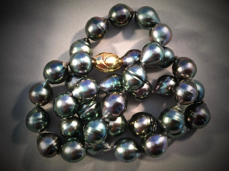 Graduated Multicolored Tahitian Baroque Pearl Necklace For Sale 3