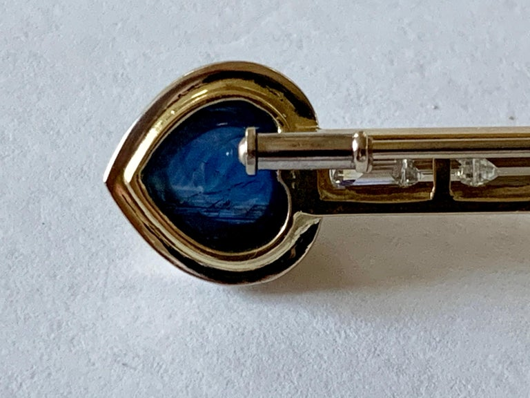 18 K Gold Bar Pin Brooch with Baguette Diamonds and Sapphire and Ruby Cabochon For Sale 3