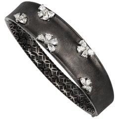 18 Karat Gold Pear Diamond Bangle with Black Rhodium