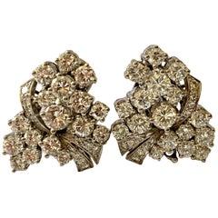 18 Karat White Gold Diamond Cluster Earrings