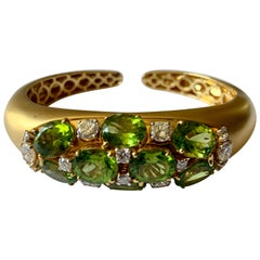 18 Karat Yellow Gold Cuff Bracelet with Peridots and Diamonds