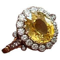 18 K Yellow Gold Vintage Entourage Ring Yellow Sapphire Diamonds