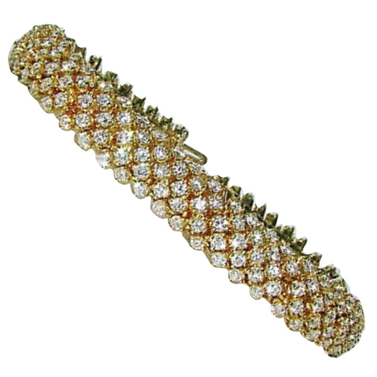 18 Karat 10.00 Carat Diamonds Dome Cluster Line Bracelet