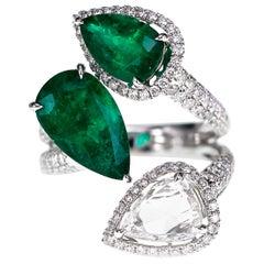 18 Karat 4.53 Carat Vivid Green Emerald and 2.02 Carat Diamond Designer Ring