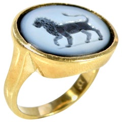 18 Karat Agate Lion Ring