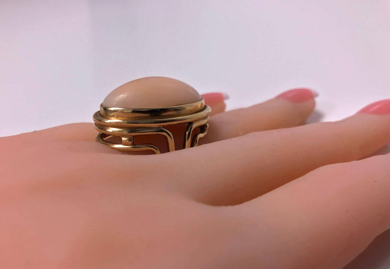 18 Karat Angel Skin Ring, circa 1970 Secrett In Excellent Condition For Sale In Toronto, ON