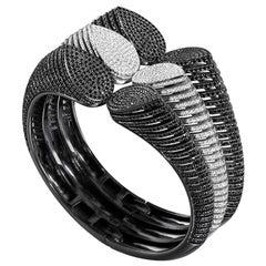 18 Karat Black and 18 Karat White Gold Spine Diamond Triple Cuff