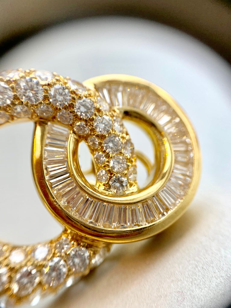 18 Karat Circle Drop Diamond Earrings For Sale 5