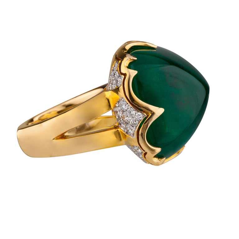 18 Karat Colombian Emerald Ring In Excellent Condition In Sarasota, FL
