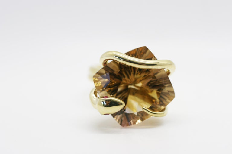 Contemporary 18 Karat Color Changing Natural Citrine Climbing Snake Ring  For Sale