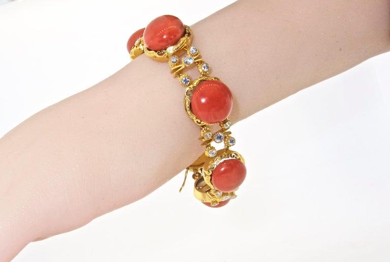 Armband aus 18 Karat Gold mit Korallen und Diamanten 4