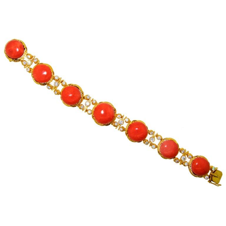 Armband aus 18 Karat Gold mit Korallen und Diamanten 1
