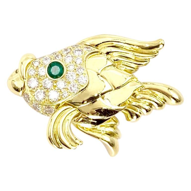 18 Karat Diamond and Emerald Fish Brooch For Sale