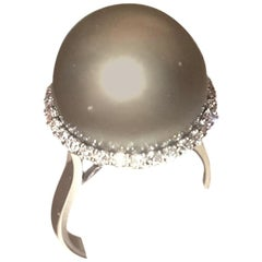 18 Karat Diamond and Gray Tahitian South Sea Pearl Ring