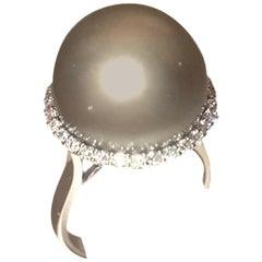 18 Karat Diamond and Gray Tahitian South Sea Pearl Ring