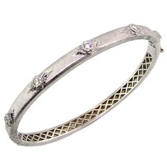 18 Karat Diamond Bangle in White, Handmade and Hand Engraved in Florence, Italy